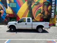 2010 Ford F-250 xlt excellent condition